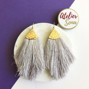 Fringe Fan Tassel Earrings - Gray